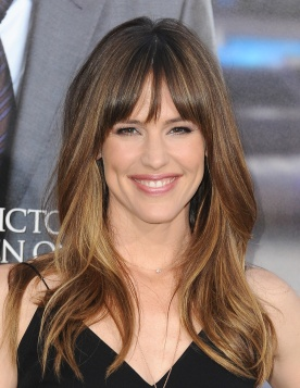 celebrity-hairstyles-with-bangs-11